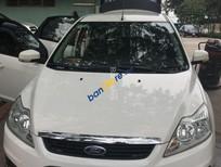 Cần bán Ford Focus 1.8 AT sản xuất 2010, màu trắng
