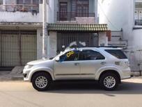 Cần bán gấp Toyota Fortuner V đời 2012, màu bạc, giá chỉ 645 triệu