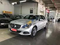 Cần bán Mercedes E250 sản xuất 2014, màu bạc đẹp như mới