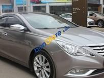 Bán xe Hyundai Sonata 2.0AT đời 2011 số tự động, giá tốt