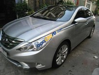 Cần bán xe Hyundai Sonata AT đời 2011, màu bạc chính chủ