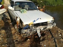 Cần bán xe Toyota Corolla sản xuất 1983, màu trắng, giá tốt
