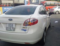 Cần bán gấp Ford Fiesta AT năm 2011, màu trắng số tự động, giá 320tr