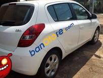 Bán xe Hyundai i20 AT sản xuất 2010, màu trắng, xe nhập