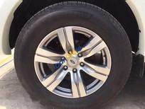 Cần bán gấp Ford Everest AT sản xuất 2010, màu trắng