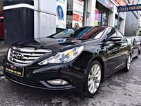 Cần bán gấp Hyundai Sonata 2.0 AT đời 2010, màu đen, nhập khẩu số tự động