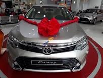 Bán Toyota Camry E model 2018, màu nâu vàng