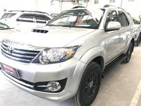 Cần bán lại xe Toyota Fortuner 2.5G 2015, màu bạc, 920tr