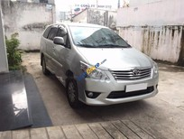 Cần bán lại xe Toyota Innova 2.0E 2013, màu bạc số sàn, 565 triệu