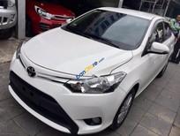 Cần bán Toyota Vios E đời 2017, màu trắng số sàn
