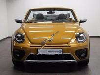 Cần bán xe Volkswagen Beetle Dune đời 2017, màu vàng, xe nhập