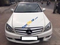 Cần bán gấp Mercedes C200 đời 2009, màu trắng