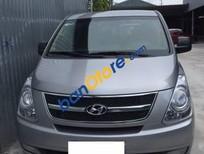 Cần bán gấp Hyundai Starex 2.5MT sản xuất 2015, màu bạc còn mới