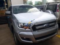 Cần bán xe Ford Ranger XLS 2.2L 4x2 MT sản xuất 2017, màu bạc, nhập khẩu