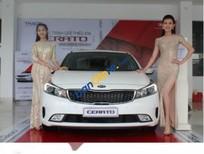 Cần bán Kia Cerato 1.6 MT sản xuất năm 2017, màu trắng