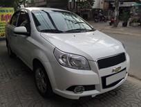 Bán chiếc Chevrolet Aveo đời 2014 số sàn màu trắng