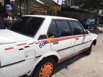 Gia đình bán lại xe Toyota Corolla năm 1983, màu trắng