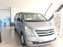 Hyundai Starex màu bạc, có sẵn xe tại Đắk Lắk. Hỗ trợ vay 80% giá trị xe - Hotline 0935.90.41.41