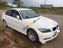 Xe BMW 3 Series 320i đời 2011, màu trắng số tự động, giá tốt