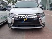 Cần bán Mitsubishi Outlander 2.0 CVT sản xuất năm 2017, màu trắng, nhập khẩu