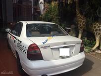 Bán xe Daewoo Nubira 1.6L năm 2001, màu trắng xe gia đình