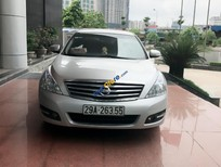 Xe Nissan Teana 2.0 đời 2011, màu bạc, nhập khẩu nguyên chiếc