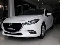 Bán xe Mazda 3 1.5 FL 2019, màu trắng, giá ưu đãi hơn 70 triệu đồng LH 0975.930.716