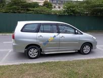 Bán ô tô Toyota Innova G đời 2011, màu bạc chính chủ