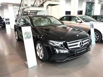 Cần bán gấp Mercedes đời 2017, màu đen