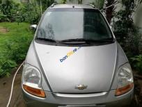 Bán Chevrolet Spark đời 2010, màu bạc còn mới