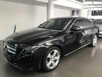 Bán xe Mercedes E250 đk 2017, màu đen chạy 14000 km như mới giá rẻ
