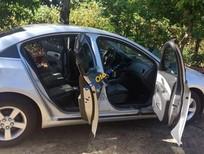 Cần bán xe Chevrolet Cruze LS 1.6 MT đời 2010, màu bạc, giá tốt