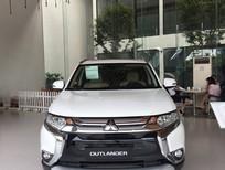 Bán ô tô Mitsubishi Outlander 2.4 CVT đời 2018, màu trắng