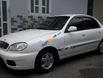 Cần bán gấp Daewoo Lanos đời 2003, màu trắng xe gia đình