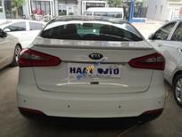 Cần bán lại xe Kia K3 1.6 năm 2015, màu trắng, giá chỉ 566 triệu