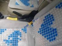 Cần bán gấp Toyota Vios Limo đời 2004, màu trắng, gia đình sử dụng