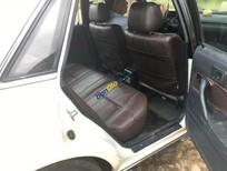 Cần bán gấp Toyota Camry năm 1990, màu trắng, nhập khẩu