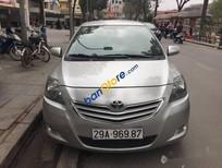 Cần bán xe Toyota Vios đời 2013, màu bạc số tự động