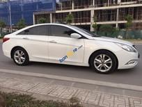 Cần bán Hyundai Sonata 2.0 Y20 2010, đk 2011 màu trắng, nhập khẩu xe cực đẹp