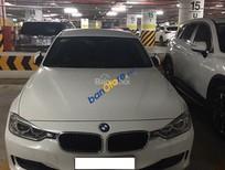 Bán BMW Series 320i đời 2015 màu trắng, xe ít đi