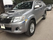 Cần bán xe Toyota Hilux đời 2015, màu bạc, xe nhập chính chủ