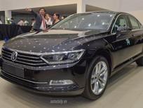 Bán Volkswagen Passat Bluemotion đời 2017, màu xanh đen, xe mới 100% nhập khẩu chính hãng LH:0933.365.188
