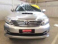 Bán Toyota Fortuner dầu 2016, màu bạc