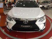 Toyota Camry 2.5Q 2019, màu trắng ngọc trai