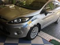 Bán Ford Fiesta 1.6 AT năm sản xuất 2011 xe gia đình