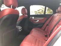 Bán Mercedes C300 AMG, 2017 màu trắng, nội thất đỏ