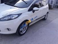 Bán xe Ford Fiesta S sản xuất năm 2011, màu trắng xe gia đình
