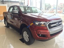Bán xe Ford Ranger XLS MT 4x4 màu đỏ, hỗ trợ trả góp 90% giao xe ngay, giảm giá tốt