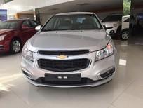 Cần bán Chevrolet Cruze 2018, màu bạc, KM lớn, hỗ trợ thủ tục trả góp, liên hệ ngay 0938.633.586
