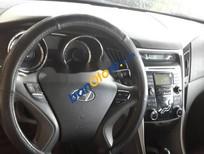 Cần bán gấp Hyundai Sonata sản xuất 2010, màu bạc số tự động, 529.5tr